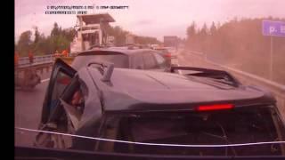 工事渋滞中の追突事故!ドライブレコーダーが見た映像! 2013 (HD)