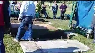 Familia denuncia que ataúd de su hija fallecida no cabía en sepultura - CHV Noticias