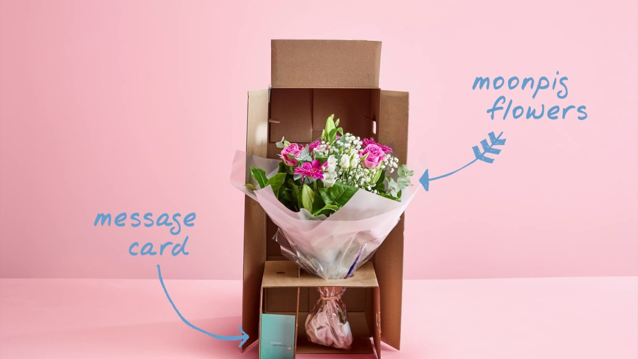 Moonpig flower unboxing bouquet in a box youtube moonpig flower unboxing bouquet in a box izmirmasajfo