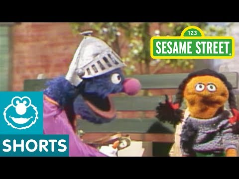 Sesame Street: Broken Grocery Bags (Classic Super Grover)