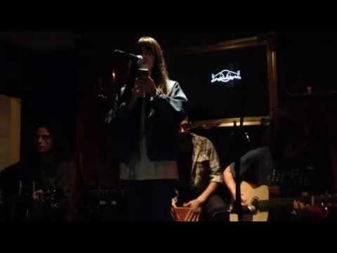 ANDREA MARTINEZ - Distance (Rouge Bar)