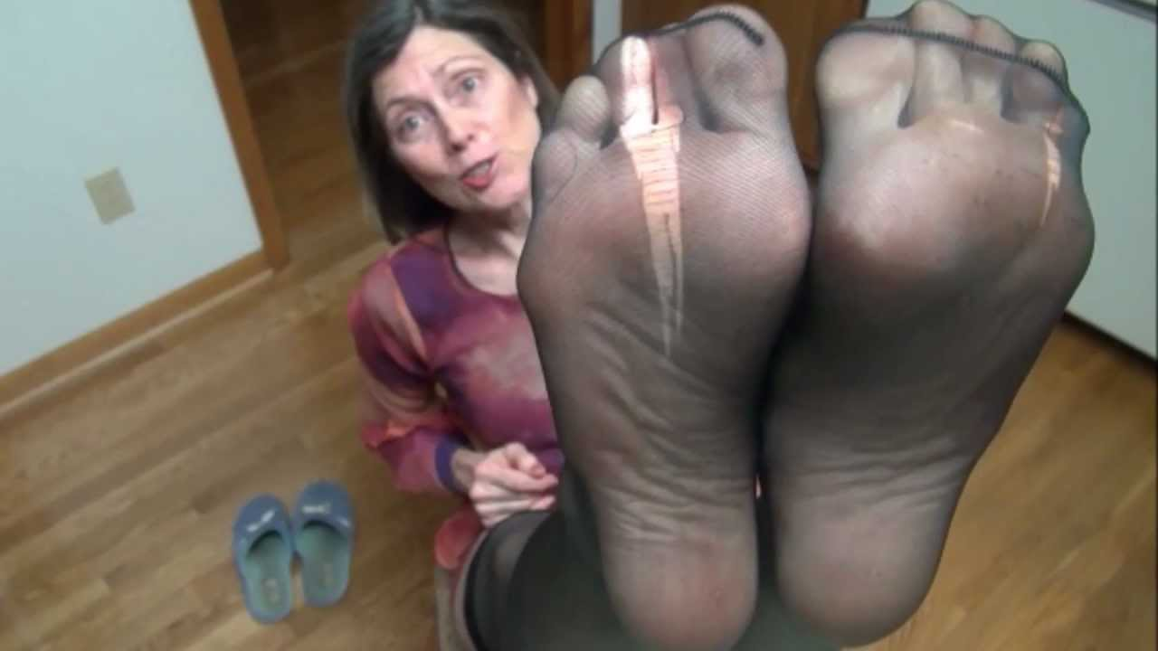 Real amateur ebony footjobs