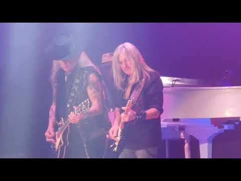 """""""Sweet Home Alabama"""" Lynyrd Skynyrd@Boardwalk Hall Atlantic City 12/1/18"""
