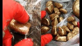 Người phụ nữ giặt quần áo ở bờ suối vô tình phát hiện 10 viên đá vàng chuyên gia thẩm định Của hiếm