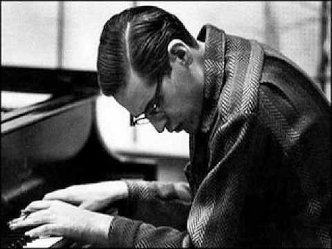 Santa Claus is Coming to Town - Bill Evans