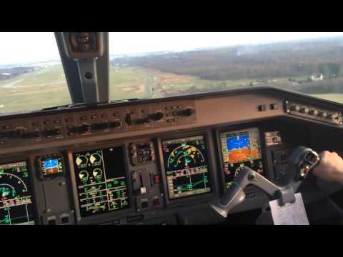 Finnair Embraer 190 Cockpit landing