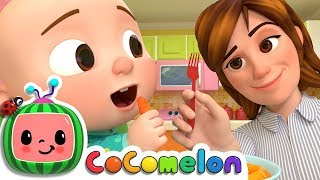 It's veggie time! Sing along with Mom and J. J. and have fun eating...