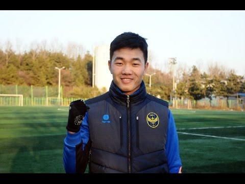 Đội Trưởng U23 Xuân Trường nói tiếng Anh