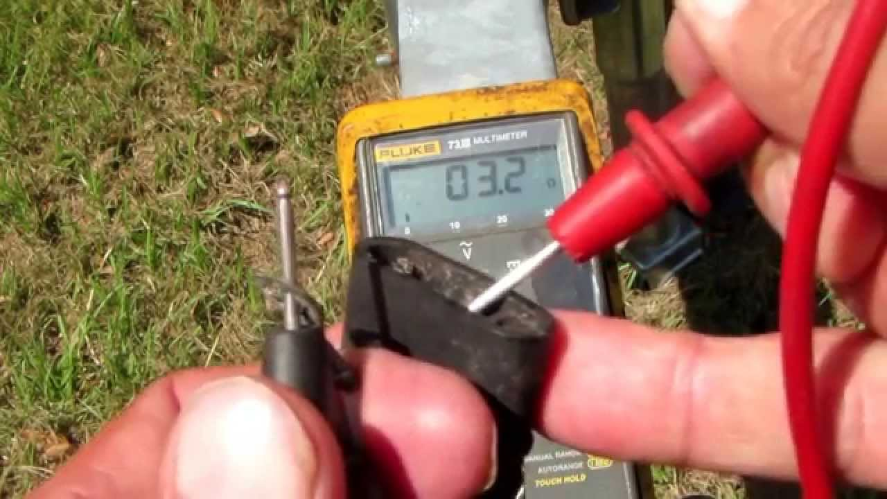 Use A Multimeter Totroubleshoot Trailer Lights Part 2 Youtube Pin Plug Wiring Diagram On Ford 4 Pole Light