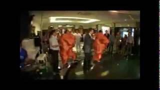 Конкурс Игра сумо для свадеб и корпоративов .wmv