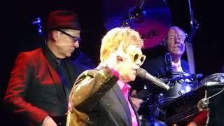 "Elton John - ""A Good Heart""  live 05.12.2017 Barclay Arena Hamburg"