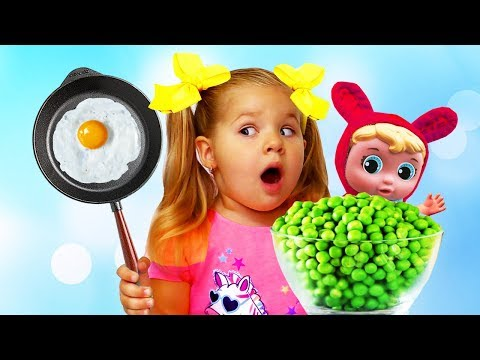 Diana pretend play food with Kitchen Toy Set outdoors and sings child song