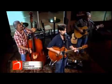 """Carnival"" Live on The Broadcast in Dallas"