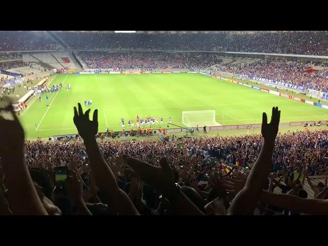 Jogadores do Cruzeiro comemorando com a torcida! (Comemoração Vikings)