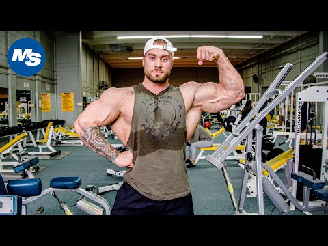 Chris Bumstead's Off Season Chest Building Program | Pro Bodybuilder Workouts