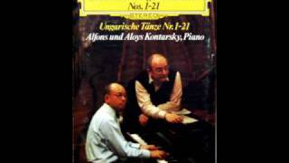 Alfons und Aloys Kontarsky: Hungarian Dance No. 2 in D minor (Brahms) - Piano Four Hands