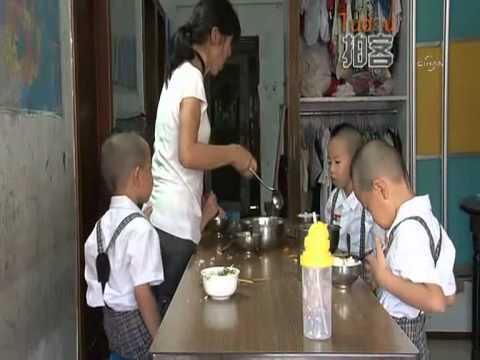 Çin'de Bir Anne Dördüzleri Ayırt Etmek Için Numaralandırdı