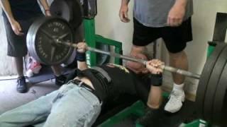 Bryan Yager - 325 lb bench 06142009