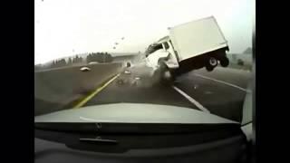 Для любителей аварий грузовиков Часть 7