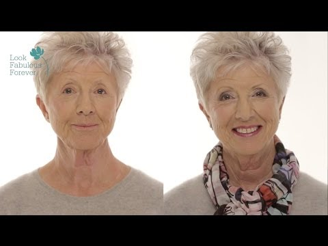 MakeUp for Older Women: Define Your Eyes and Lips Over 60