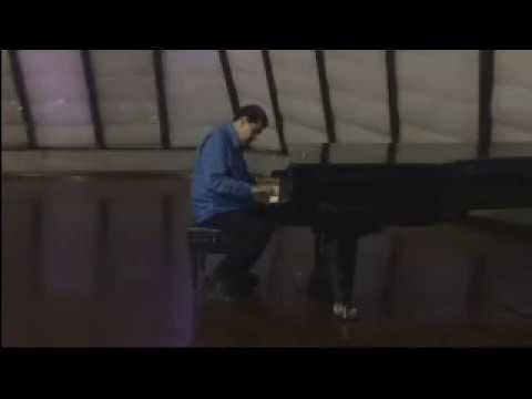 NICOLAS MADURO DIZQUE TOCANDO PIANO