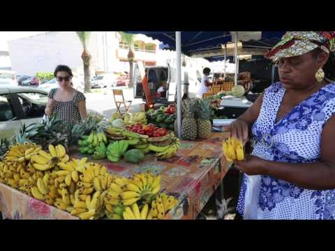 Guadeloupe Saint Anne Marché traditionnel / Guadeloupe Traditional market