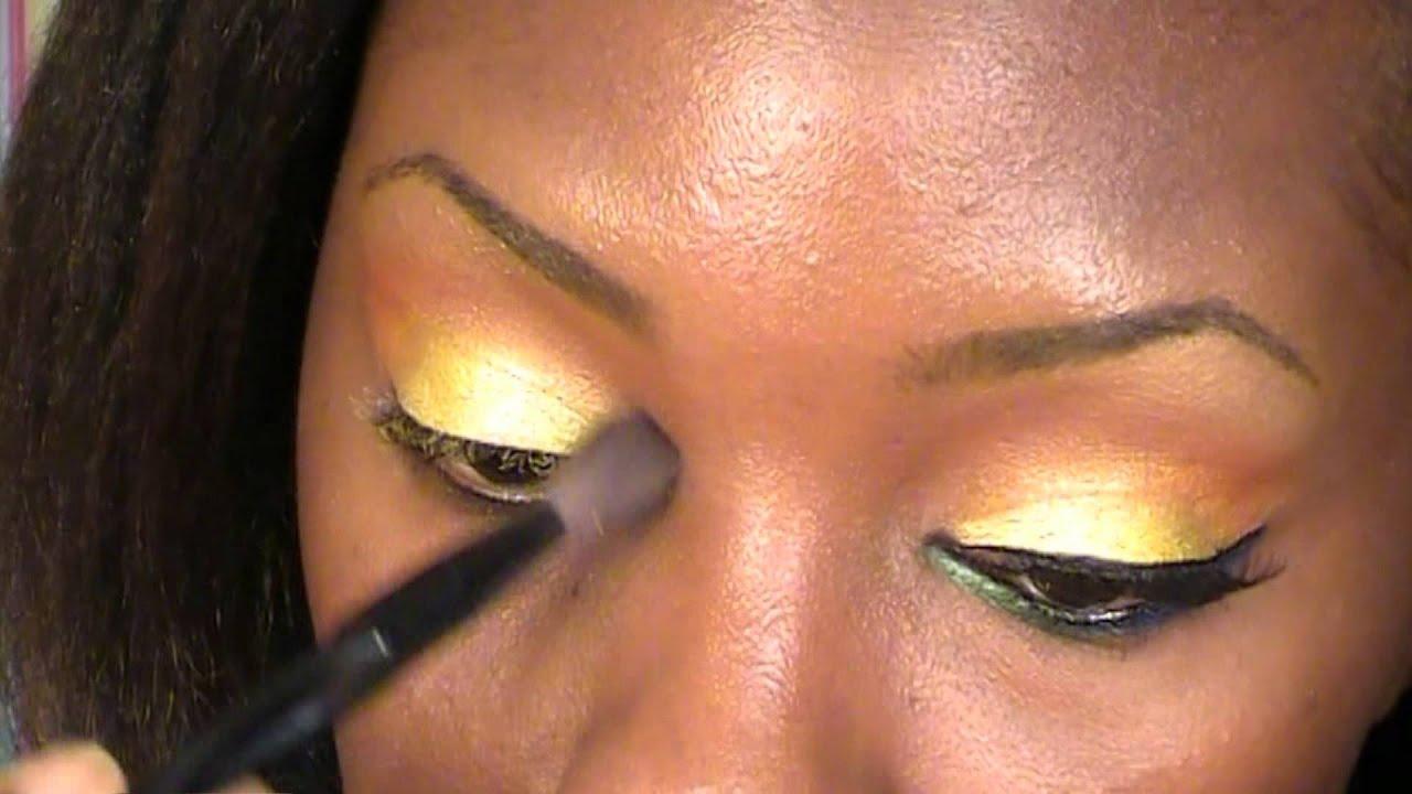 how to use dark eyeshadow