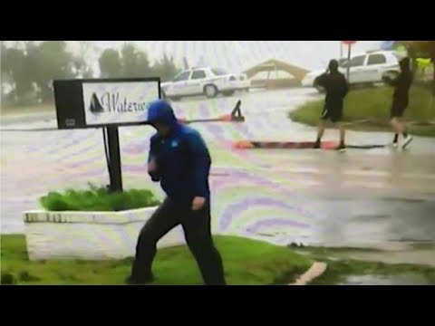 Weather Channel defends reporter accused faking struggling against hurricane winds