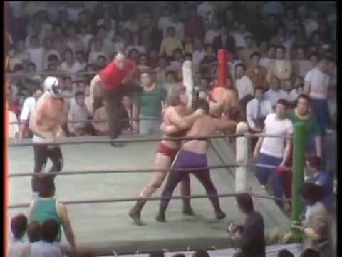 Mil Máscaras & King Krow vs Seiji Sakaguchi & Masa Saitoh  &x26061972;