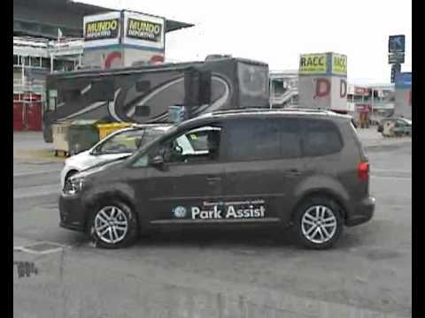 park assist vw touran volkswagen race tour 2010 montmelo youtube. Black Bedroom Furniture Sets. Home Design Ideas