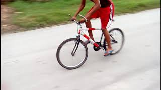 Downhill drifting (bicycle drifting)