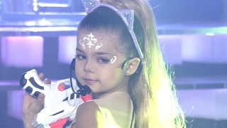 7-Year Olds Impersonation of Ariana Grande- Too Sexy? | What's Trending Now!