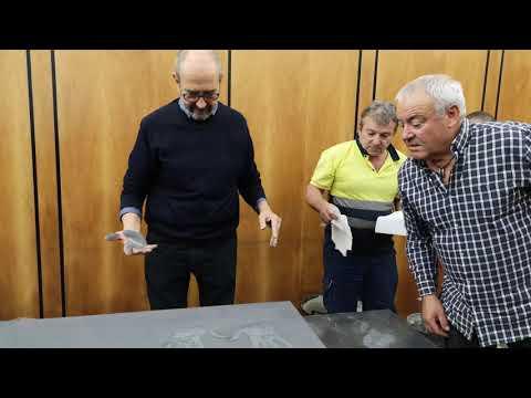 Miguel Rellan deja su huella en la acera de Teatro Bergidum