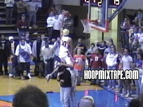 16 Year Old Michael Beasley Easily Wins Dunk Contest.