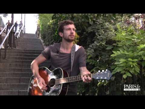 A Montmartre Igit chante