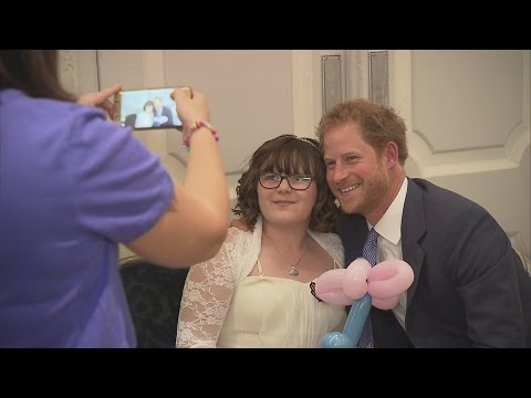Prince Harry 'profoundly moved' by children at WellChild Awards