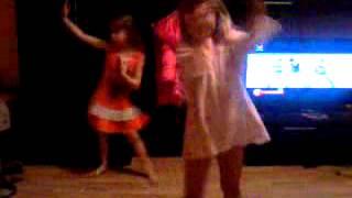 Мы танцуем под песню Нюши