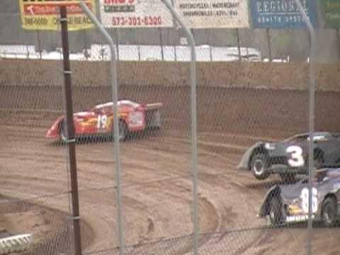 Lake Ozark Speedway hotlaps 4/25/09