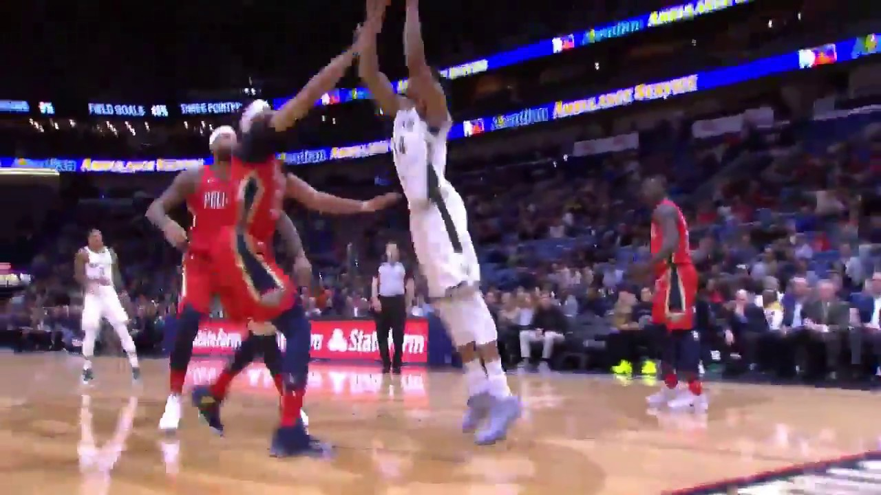 Giannis Antetokounmpo With A Mean Dunk On Anthony Davis Pelicans Vs Bucks