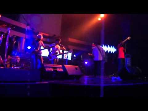 Fayrush - Cipika Cipiki (Live)