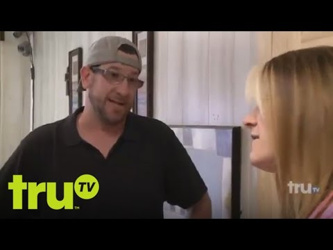 Lizard Lick Towing - Amy Beats Up Loser And His Crew