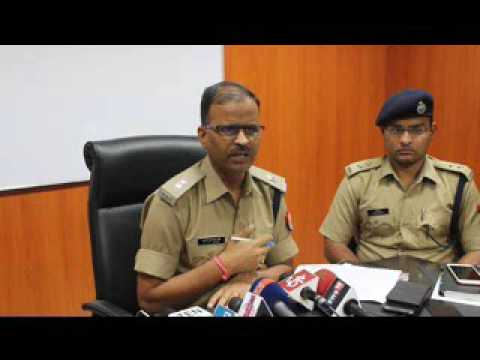 Online Fraud Misusing Homeshop 18 brand : Noida police busts gang