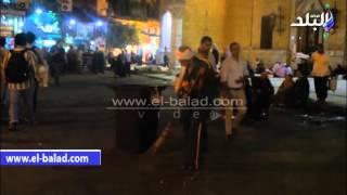 بالفيديو.. أجواء مسجد الحسين فى ليلة عاشوراء.. أبوابه مغلقة واختفاء الاحتفالات