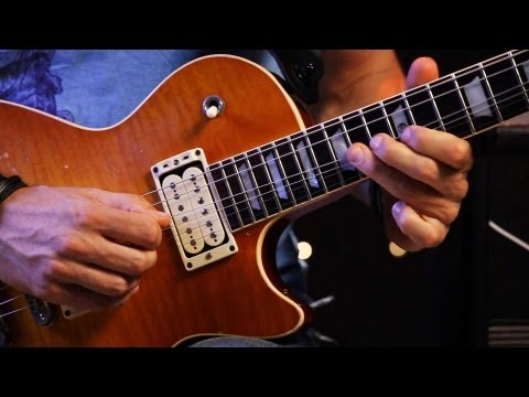 How to Play Lead Guitar Melodic Licks | Heavy Metal Guitar