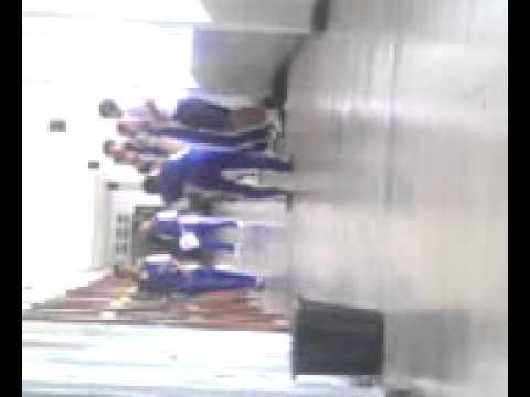 ตลกเด็กนักเรียนกระโดดตบหรือเต้น55