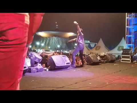 DON'T WORRY - BOY SAHARA Live in sangatta kaltim dalam rangka kutai timur expo 2015