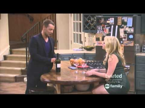 Toledo References in Melissa & Joey TV Show (ABC Family 2014)