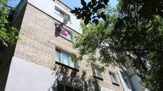 Видео ПН: В Николаеве активисты заставили снять флаг РФ с окна квартиры(, 2014-07-13T11:56:11.000Z)
