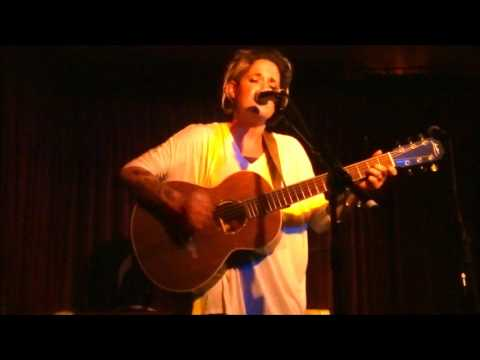 Amy Wadge - Breathe @ The Green Note, London 11/09/16