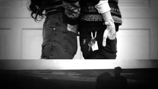 The Neighbourhood - Sweater Weather (Original/First video)(Video by: ENDS Directed by: Daniel Iglesias Jr. & Zack Sekuler In collaboration with: I Versus Eye & Justin Bettman., 2013-03-08T02:19:45.000Z)